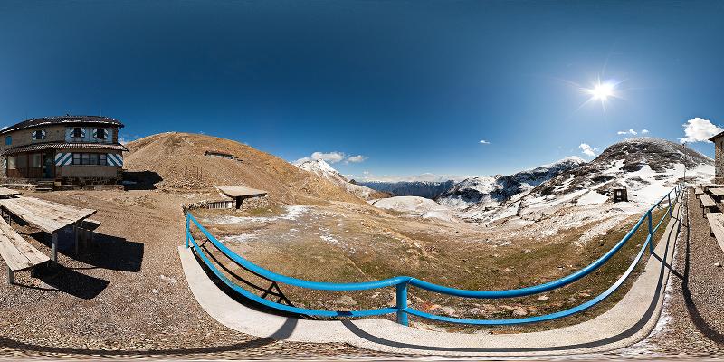 Foto panoramica del rifugio Grassi